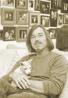 Никас Сафронов с котом