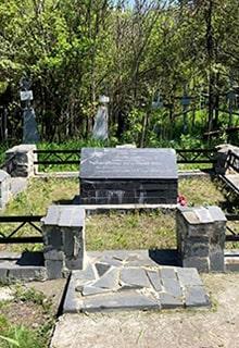 братская могила на кладбище