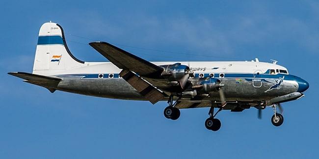 самолет DC4